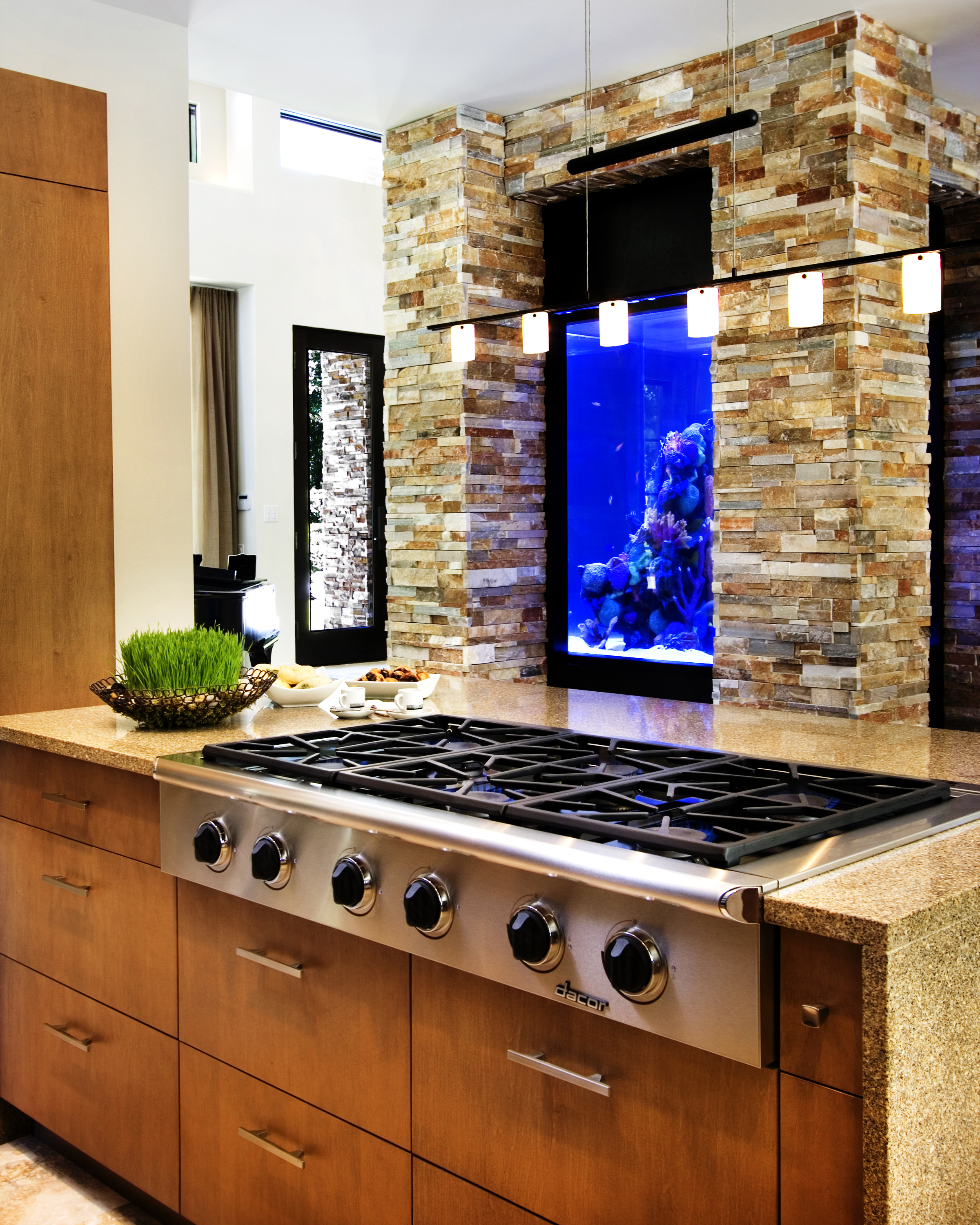 Feng Shui Kitchen Paint Colors Pictures Ideas From Hgtv: Kitchen Placement, The Art Of Feng Shui.