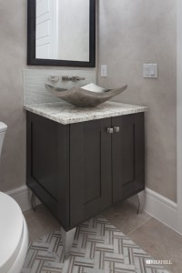 Windermere, Wide Shaker Transitional Powder Bath 01