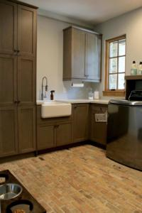 Winter Garden, Medium Tone Laundry Room 02